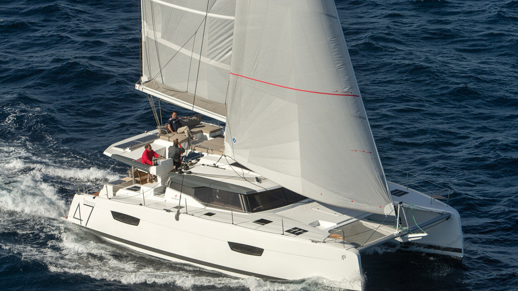 Nothing prevents this (very) comfortable catamaran from romping along in a breeze