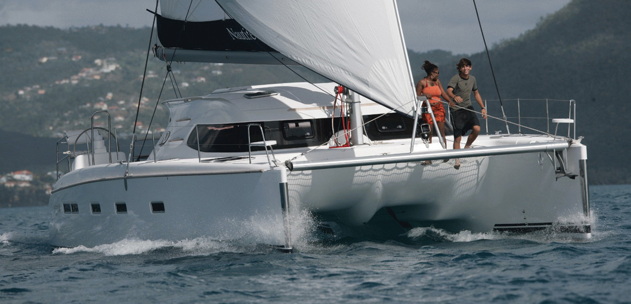 Thanks to its relatively slim hulls, the Nautitech 44 sails well.