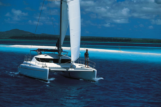 15 of our favorite 35 to 45-foot catamarans - Buy a boat