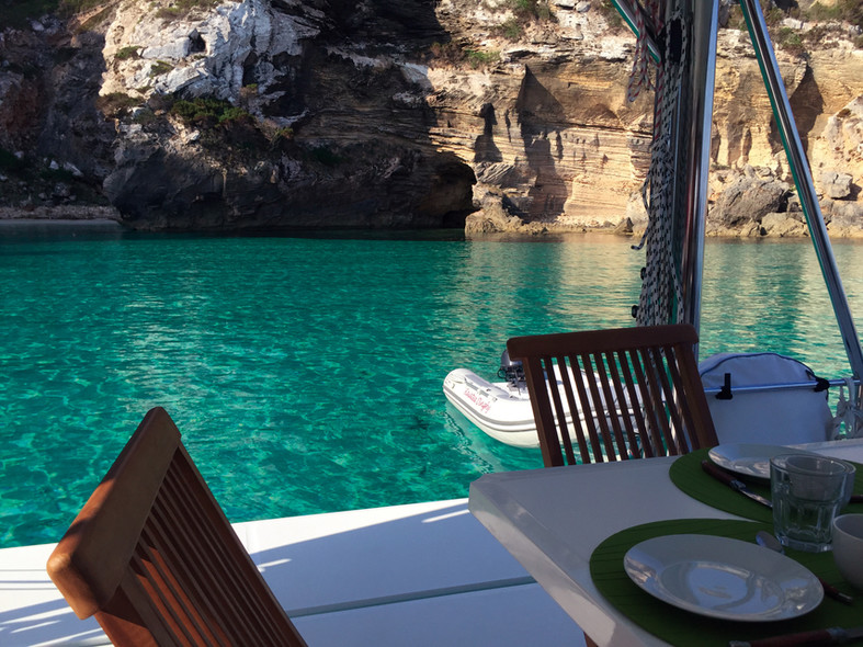 Destination the Balearics : clear waters