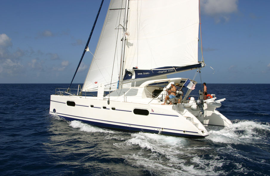 Second-hand catamaran