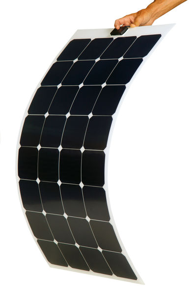 Solar panels : a solution for autonomy on catamaran