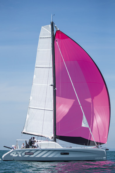 Test Outremer 4X