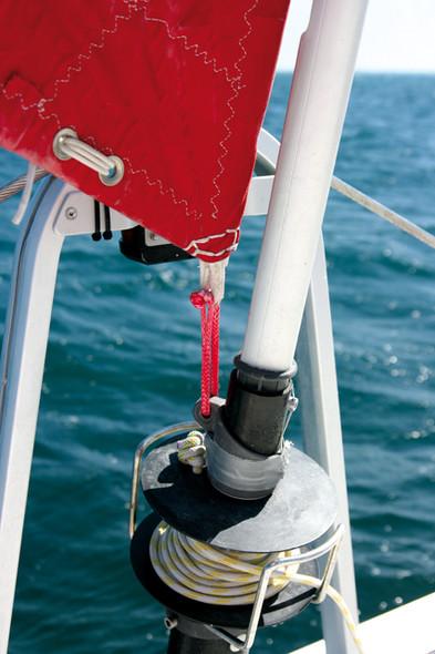 Catamaran basics make yourself a soft shackle