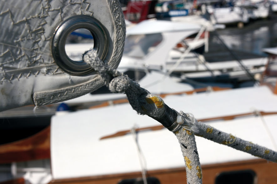 Catamaran basics make yourself a soft shackle