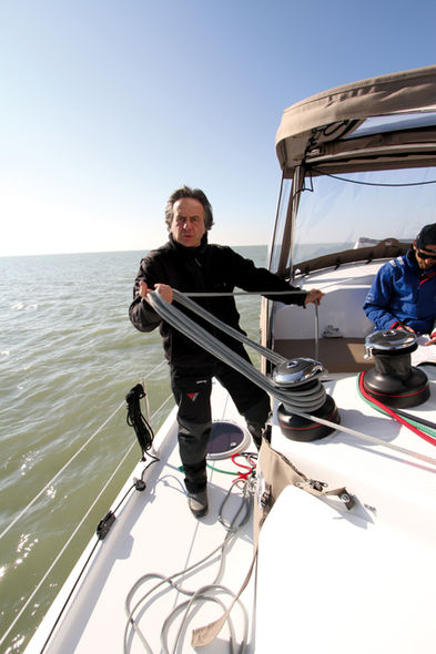 Setting the mainsail step 11