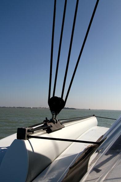 Setting the mainsail step 1