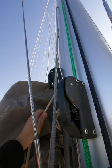 Setting the mainsail step 4