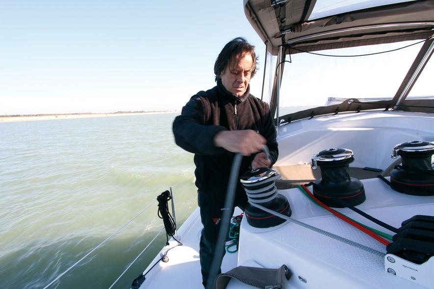 Setting the mainsail step 7