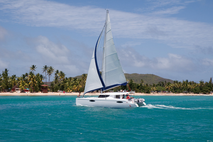 Catamaran charter : how much for which destination ?