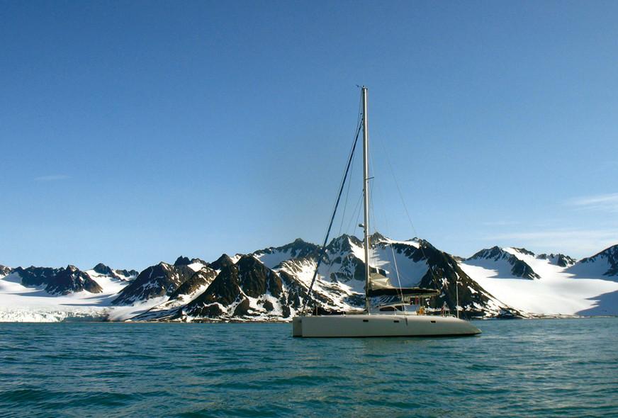 Classic or avant-garde design for ocean cruising