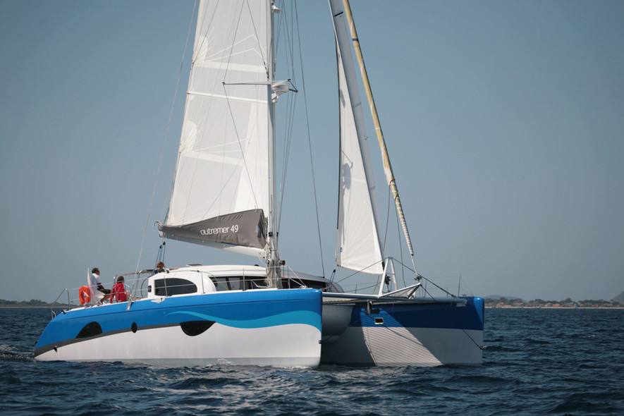 Test Outremer 49