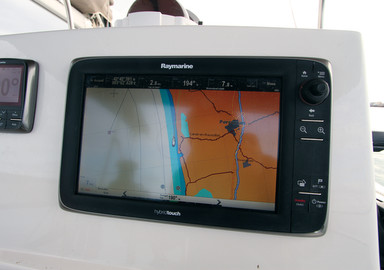 Catamaran Fundamentals Coming into port and tying up