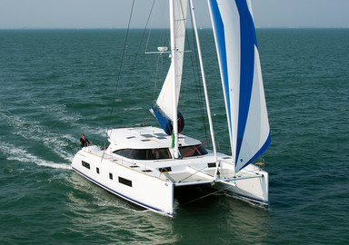 Downwind: under full sail!