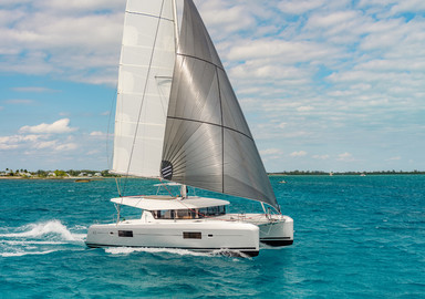 The first video of the new Lagoon 42 catamaran
