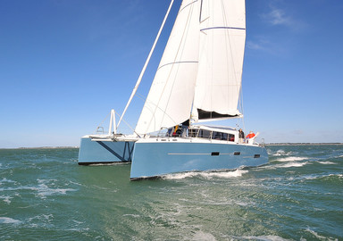 Preview: the video of our test onboard the M Cat 52 catamaran