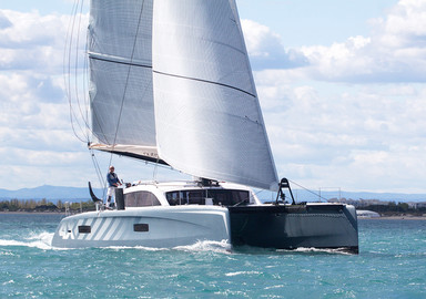 Video: the first images of our test onboard the Outremer 4X catamaran