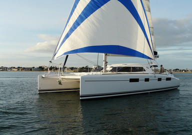 Video: sailing aboard the new Nautitech 482