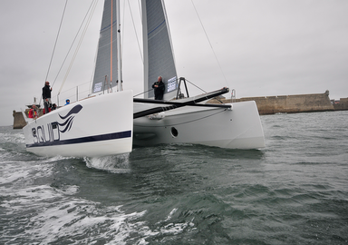 Video onboard a catamaran: sailing the TS42