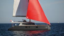 Du carbone pour le nouveau catamaran Sunreef74