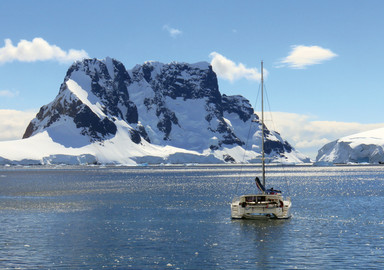 Libellule. Sailing and Moutaineering in Antarctica