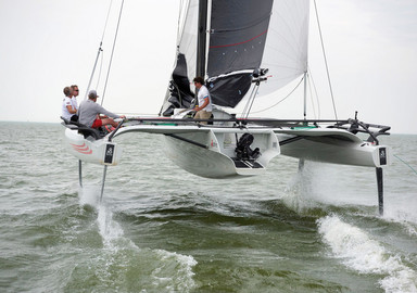 TF10, the trimaran for foiling enthusiasts