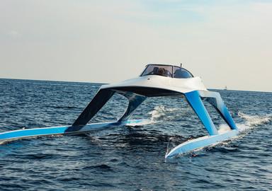 GLIDER YACHTS S18 – James Bond's yacht