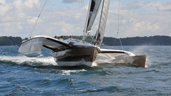 DRAGONFLY 32 A NICE BALANCE BETWEEN SPORT AND COMFORT