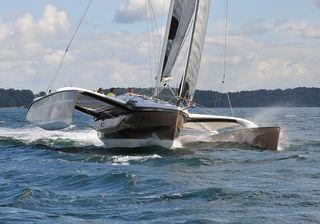 Boat Review by Multihulls World of: Catamaran Dragonfly 32