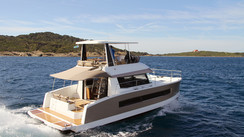 Fountaine Pajot MY 37 Vive Les Power Cats!